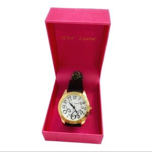 BETSEY JOHNSON Black patent leather watch in box
